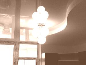 Глянцевые натяжные потолки в 3х комнатной квартире