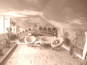 Натяжные потолки на стене + фотопечать